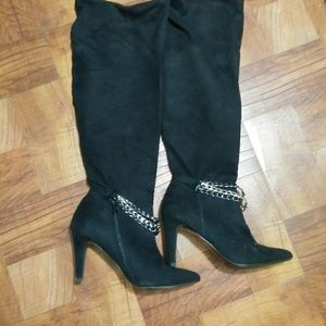 Shoes - Velvet Boots with Chain size 7